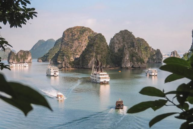 Halong Bucht Tour Hoehle