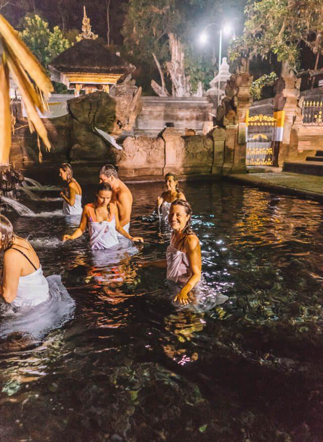 Pura Tirta Empul Wassertempel Purification