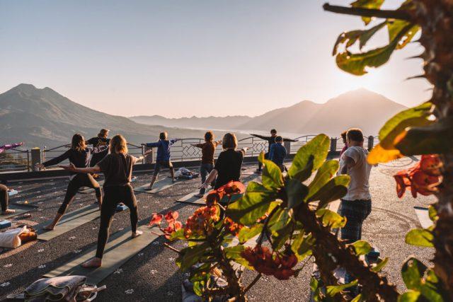 Sonnenaufgang Yoga Batur Vulkan Oneworld Retreats
