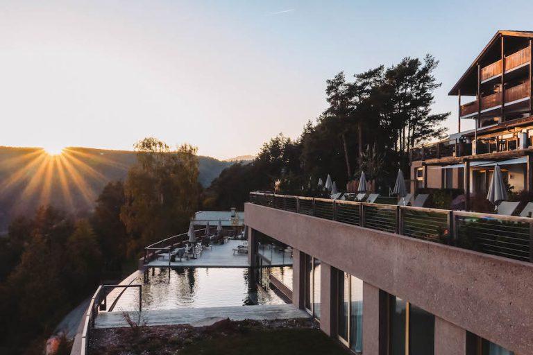 Hotel Belvedere Jenesien Sonnenuntergang