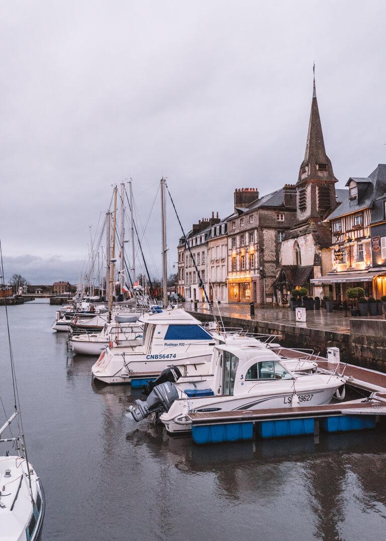 Frankreich Normandie Honfleur Arosa