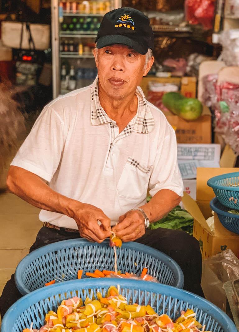 Yilan Morning Market Verkaeufer