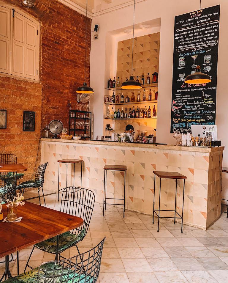 Havanna Sehenswuerdigkeiten Colour Cafe