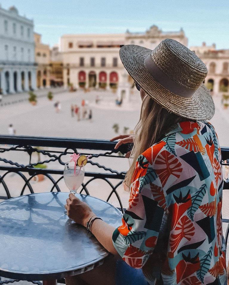 Havanna Sehenswuerdigkeiten Plaza Vieja Balkon