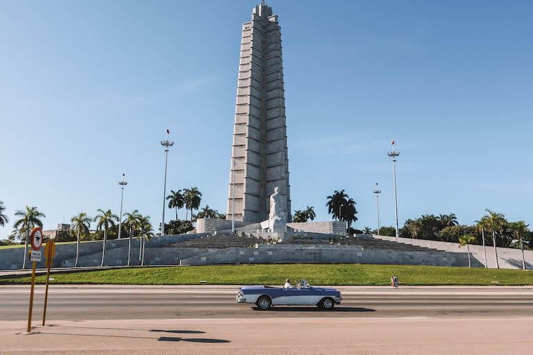 Havanna Sehenswuerdigkeiten Revolution Square