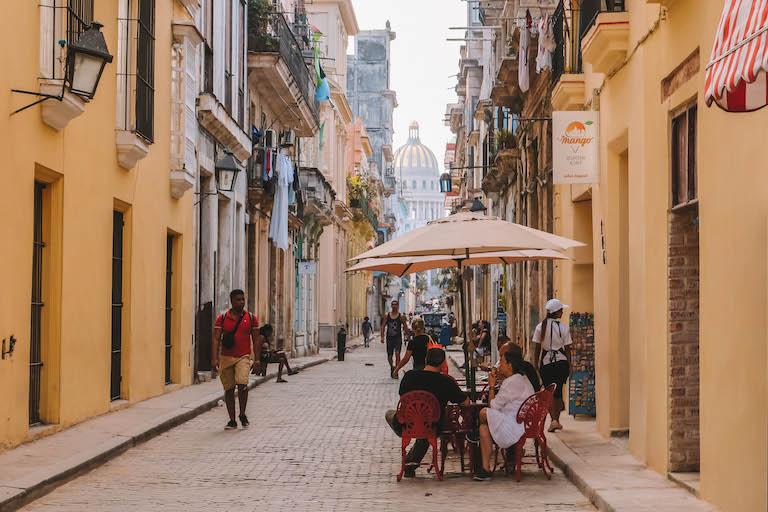 Havanna Sehenswuerdigkeiten Strasse Kapitol