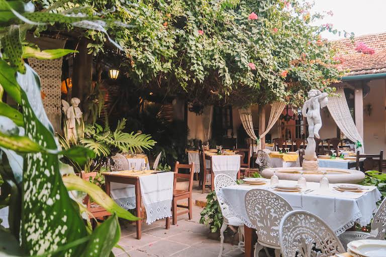 Sol y son Trinidad Restaurant