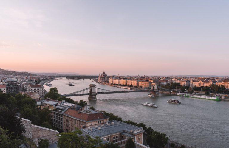 Budapest Sehenswuerdigkeiten Burgpalast Aussicht