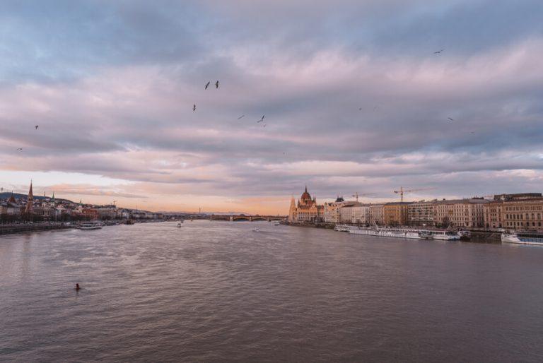 Budapest Sehenswuerdigkeiten Donau