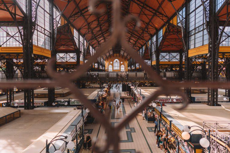 Budapest Sehenswuerdigkeiten Grosse Markthalle