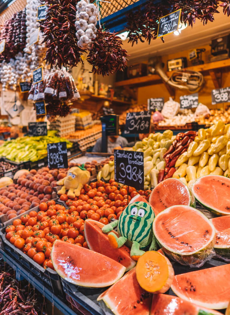 Budapest Sehenswuerdigkeiten Grosse Markthalle Ungarn