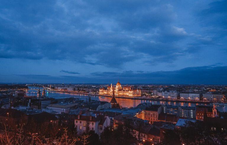 Budapest Sehenswuerdigkeiten Parlament