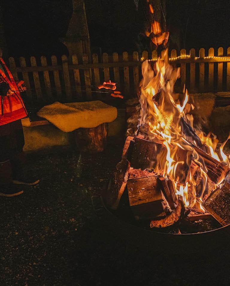 Fackelwanderung Pillerseetal Lagerfeuer