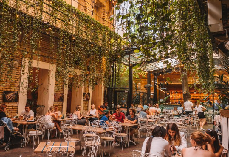 Restaurant Mazel Tov