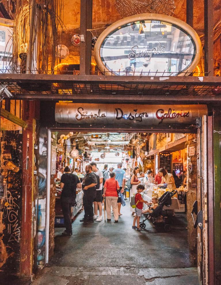 Ruin Pub Szimpla Kert Design Galeria