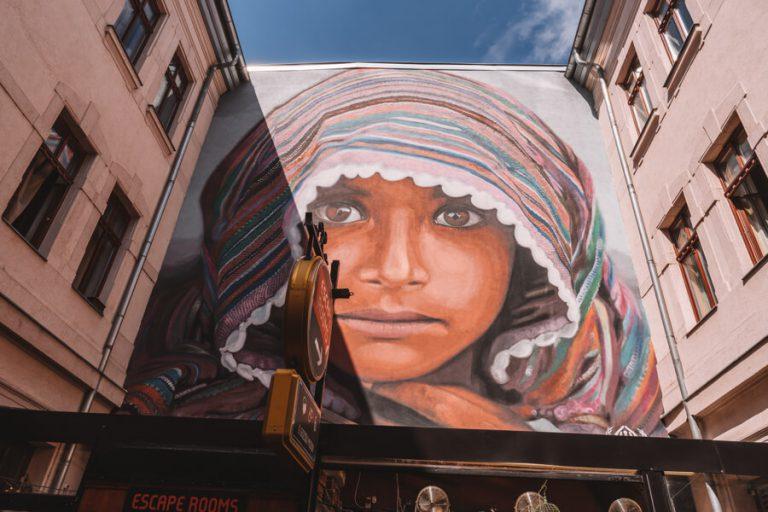 Streetart Budapest Gozsdu Courtyard
