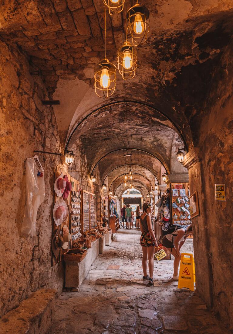 Kotor Altstadt Kunsthandwerk Markt