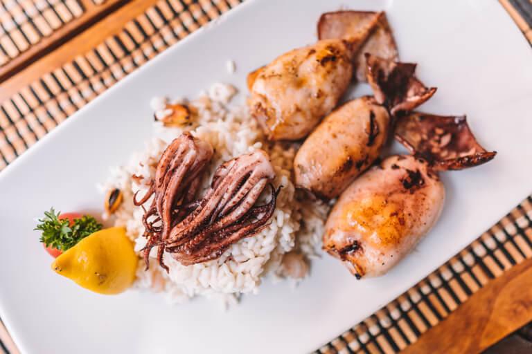 Meeresfruechte mit Reis
