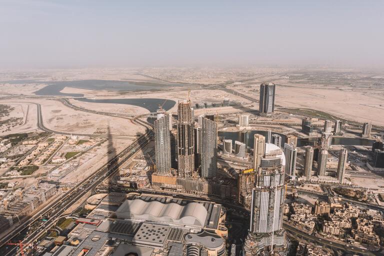 Dubai Sehenswuerdigkeiten Burj Khalifa Aussicht