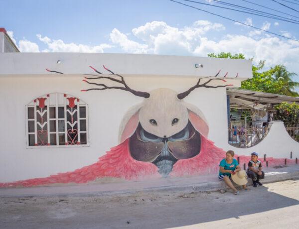 Isla Holbox Mexiko Streetart Totenkopf