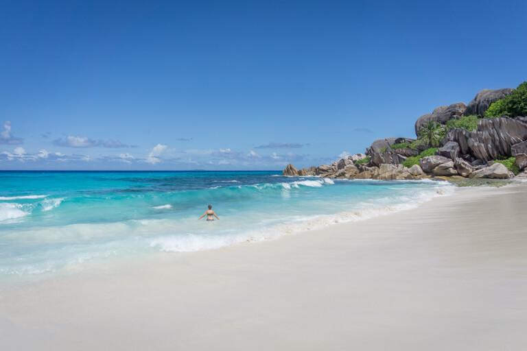 La Digue Seychellen Grand Anse Wellen