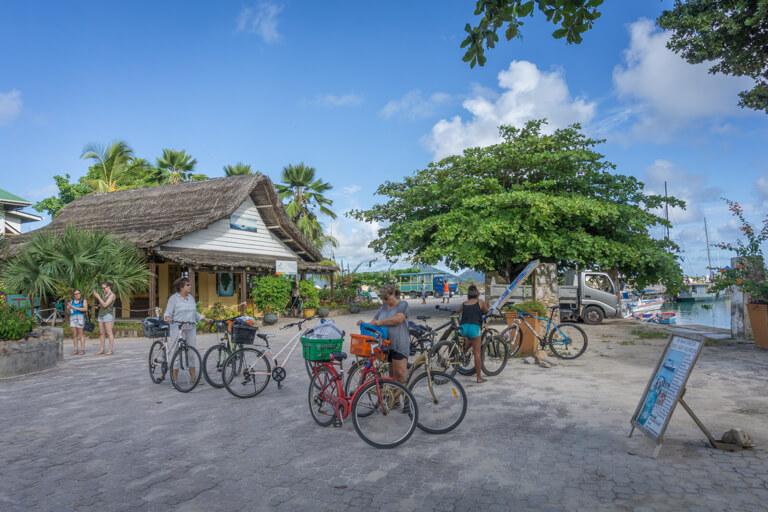 La Digue Seychellen La Passe Fahrraeder leihen