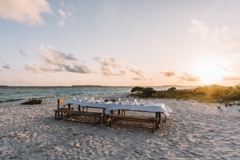 Reethi Beach Resort Moonlight Dinner Malediven Inseln Moonlight