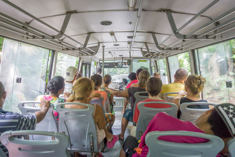 Seychellen Inseln Busfahrt