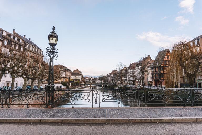 Bruecke Strassburg Quai des Bateliers