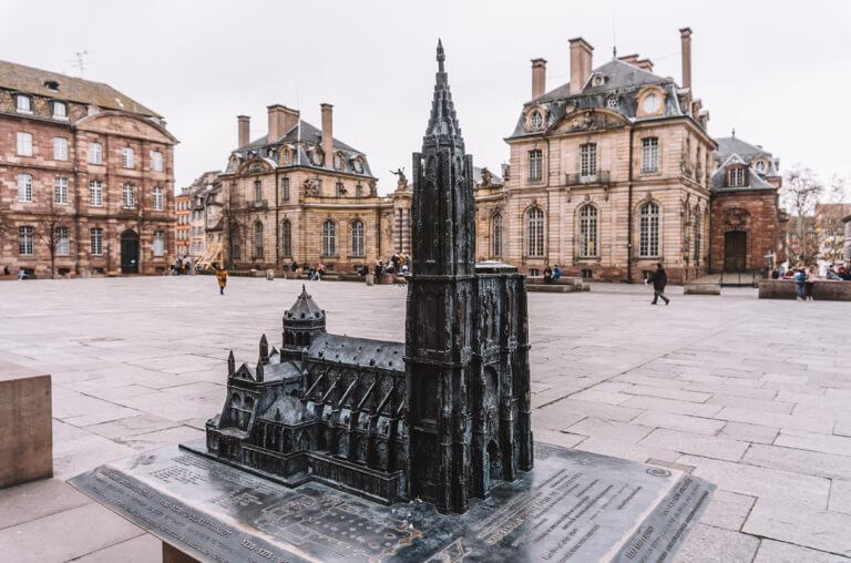 Liebfrauenmuenster zu Strassburg Miniatur Schlossplatz
