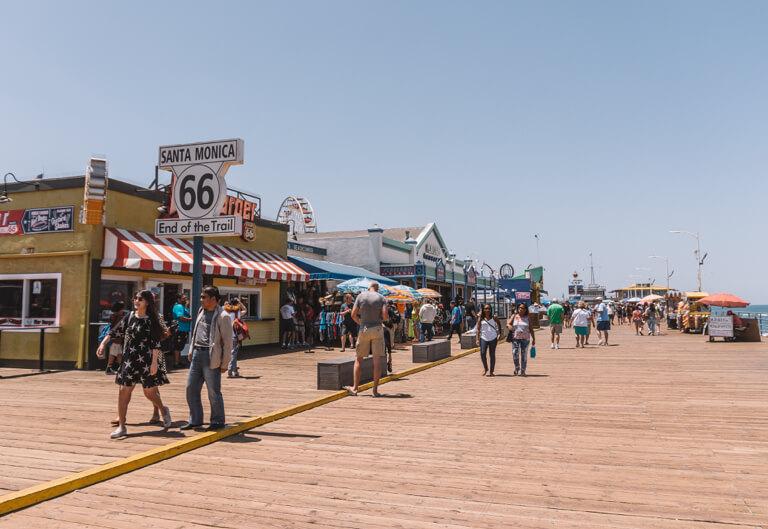 Los Angeles Sehenswuerdigkeiten Santa Monica Pier Ende Route 66