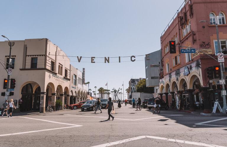 Los Angeles Sehenswuerdigkeiten Venice Beach Sign