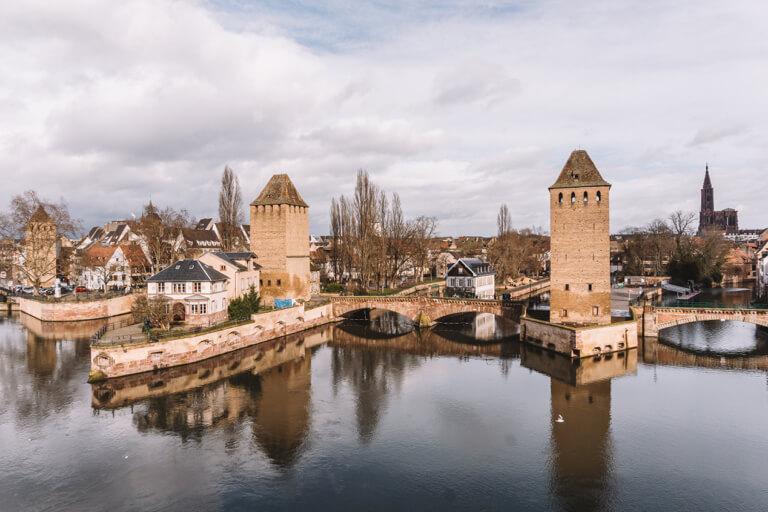 Strassburg Sehenswuerdigkeiten Barrage Vauban Blick La Petite France