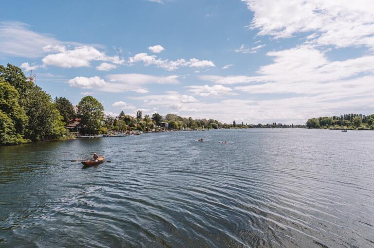Aktivitaeten in Wien Alte Donau Boot fahren