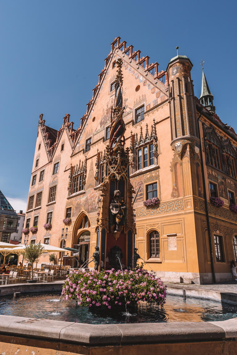 Ulm Sehenswuerdigkeiten Rathaus