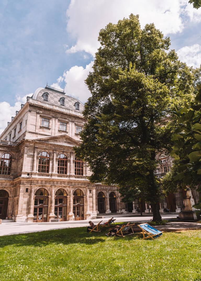 Wien Sehenswuerdigkeiten Universitaet Garten