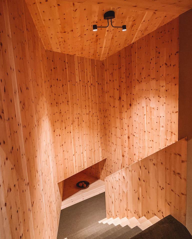 Odles Lodge Holz