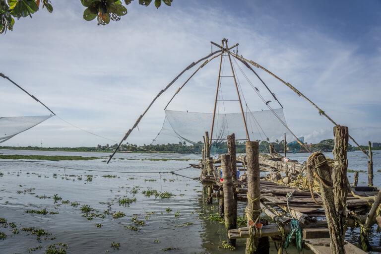 Indien Sehenswuerdigkeiten Kerala Kochi Fischernetze