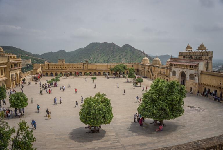 Indien Sehenswuerdigkeiten Rajasthan Jaipur Amber Fort Innenhof