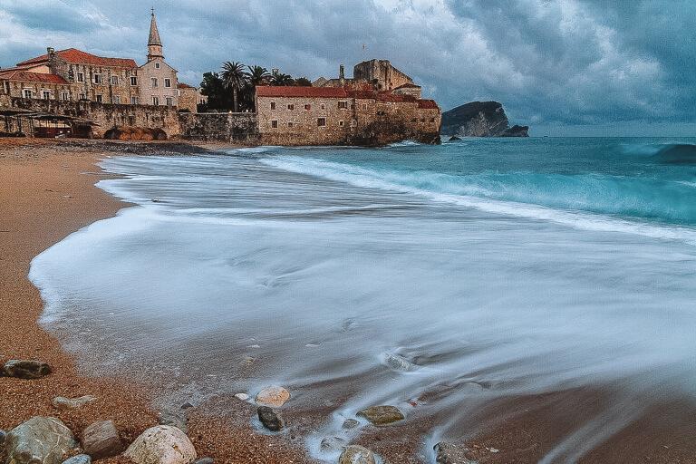 Montenegro Sehenswuerdigkeiten Budva Altstadt Riviera