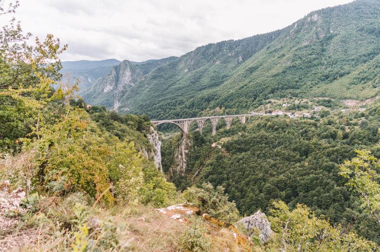 Montenegro Sehenswuerdigkeiten Durmitor Nationalpark Tara Bruecke