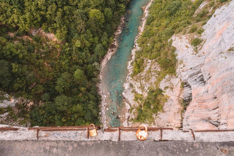 Montenegro Sehenswuerdigkeiten Durmitor Nationalpark Tara Schlucht River