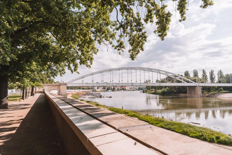 Szeged Ungarn Theiss Ufer Belvarosi Bruecke