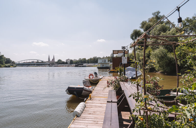 Theiss Tisza Hausboot Cafe
