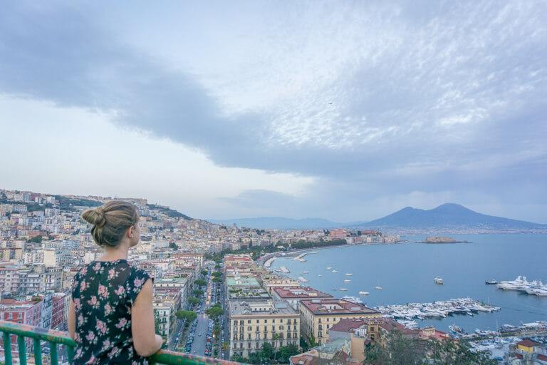 Italien Sehenswuerdigkeiten Neapel Vulkan Vesuv