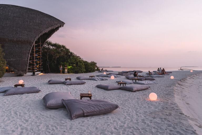 Haali-Sunset-Bar-Dhigali-Malediven