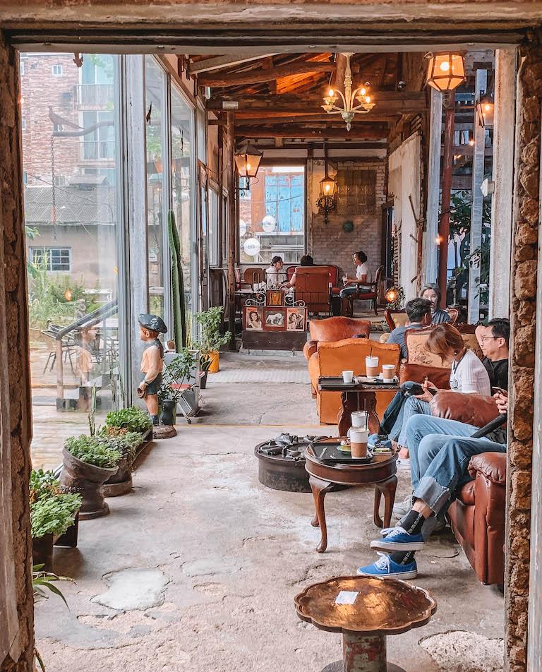 Joyangbangjik Vintage Cafe Suedkorea