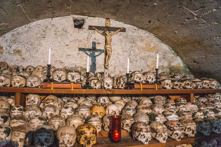 Ossuary Friedhof Gebeinshaus Hallstatt Sehenswuerdigkeiten