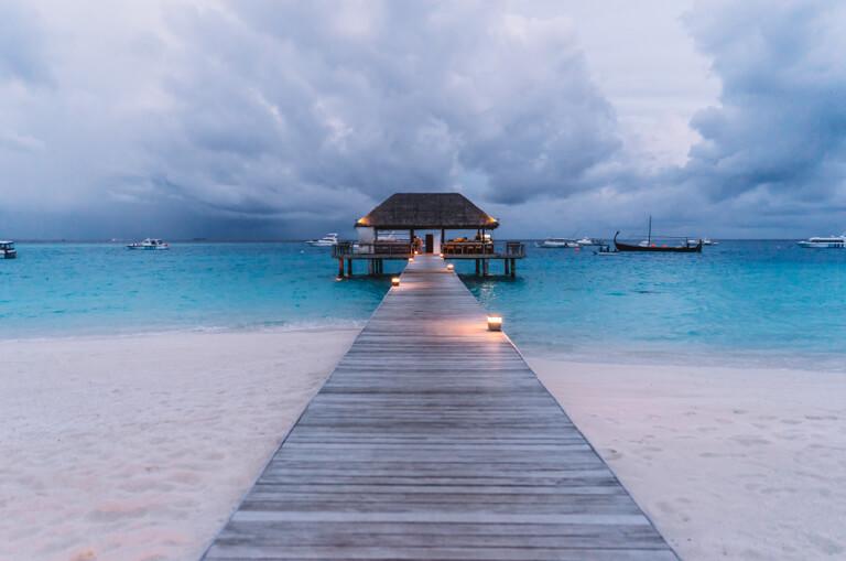 Steg-Blaue-Stunde-Indischer-Ozean