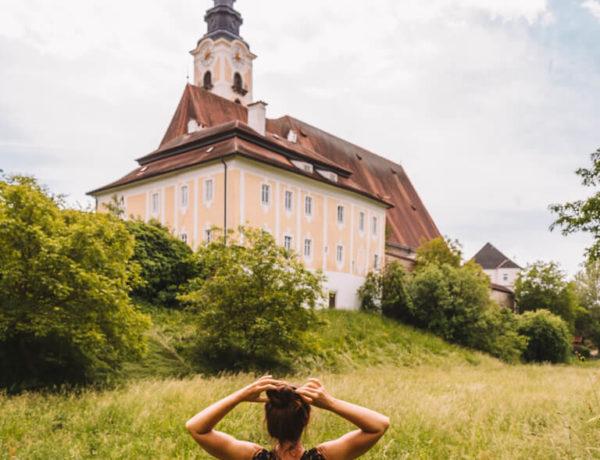 Eferding Sehenswuerdigkeiten Mittergraben Donauregion 2